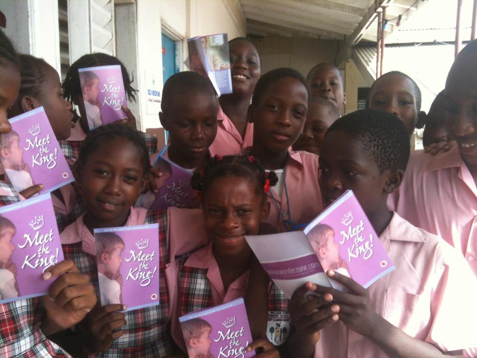 Kids at William Conner Primary School in St. Kitts hear the Gospel and get a Meet the King Book